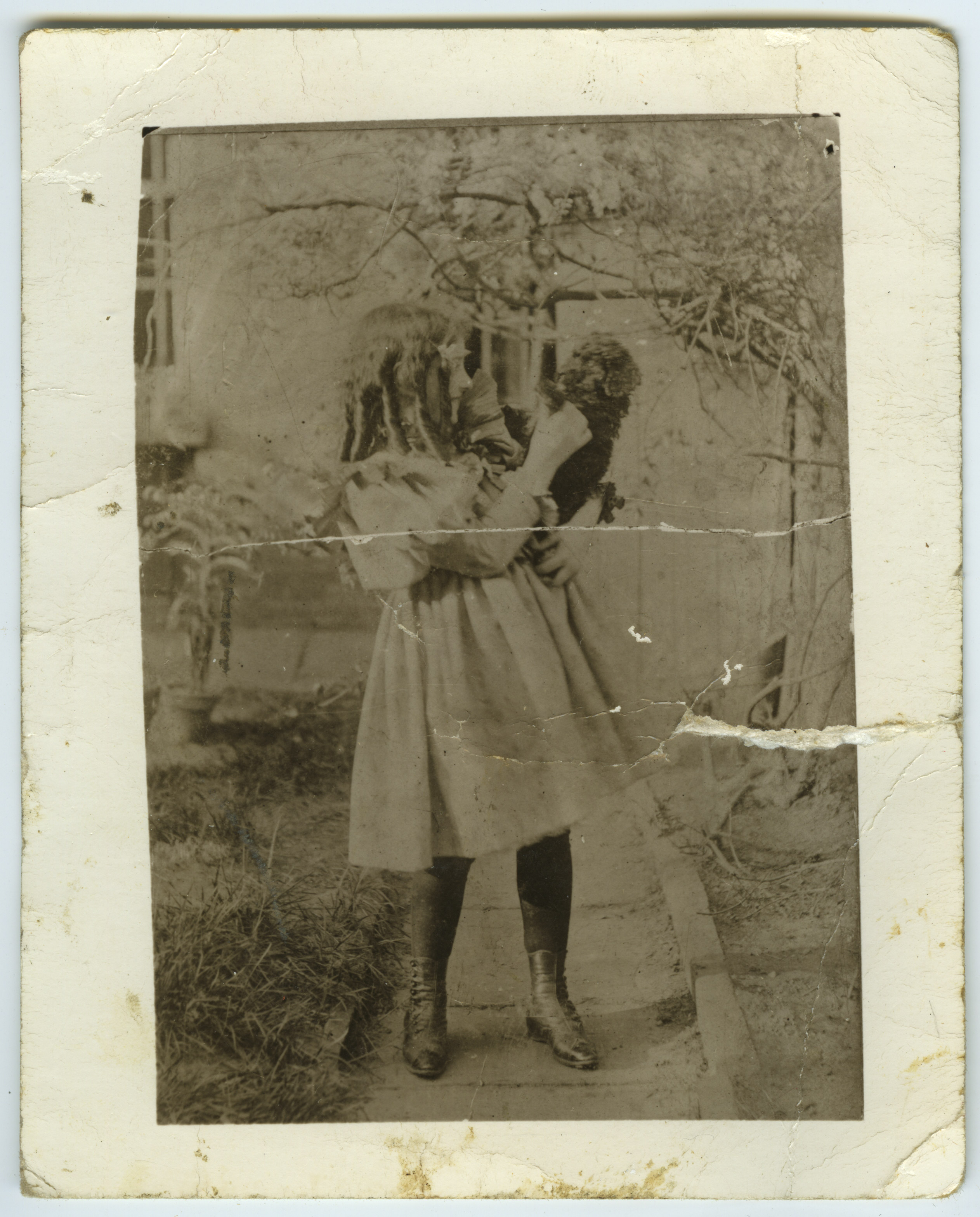early photographs of mana